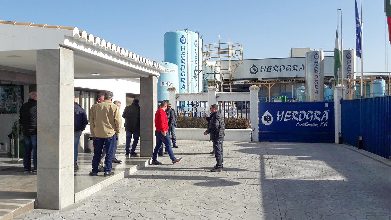 Llegada de nuestros agricultores a las instalaciones de Herogra